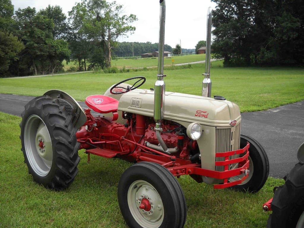 Seales Restoration Antique Tractors Ford 8n With Flathead Conversion Tractor